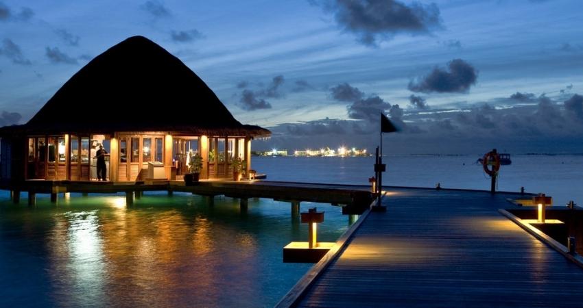 Velavaru Angsana,  Lusso alle Maldive